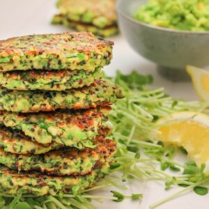 Zucchini and pea fritter